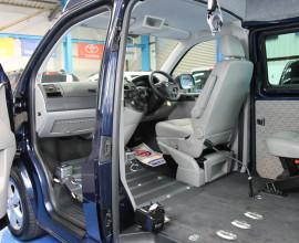 VW Transporter wheelchair upfront yn10 bwk