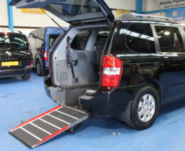 Kia sedona Auto Wheelchair car yj59 hkz