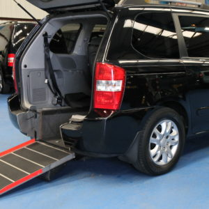 Kia sedona Wheelchair access car yj09avv