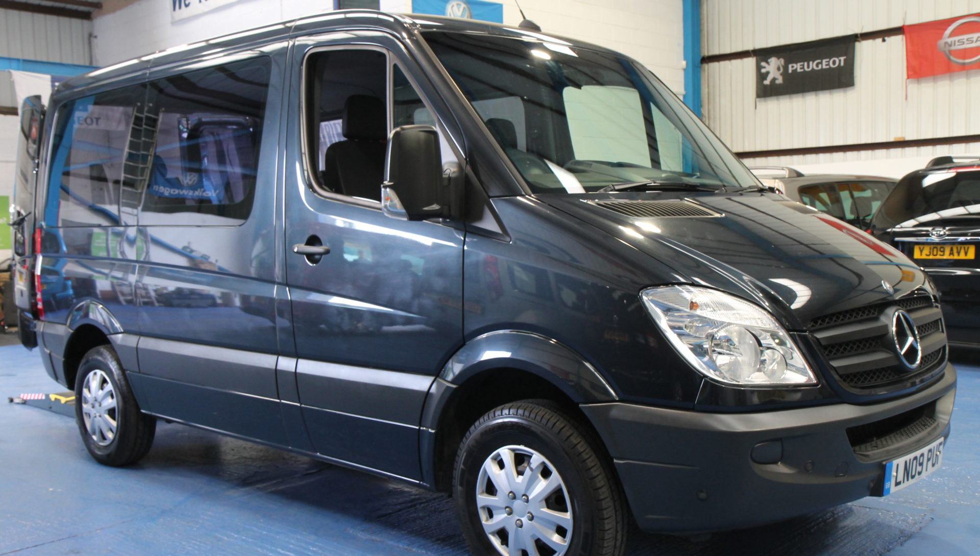 mercedes sprinter automatic wheelchair van wheelchair accessible vehicles. Black Bedroom Furniture Sets. Home Design Ideas