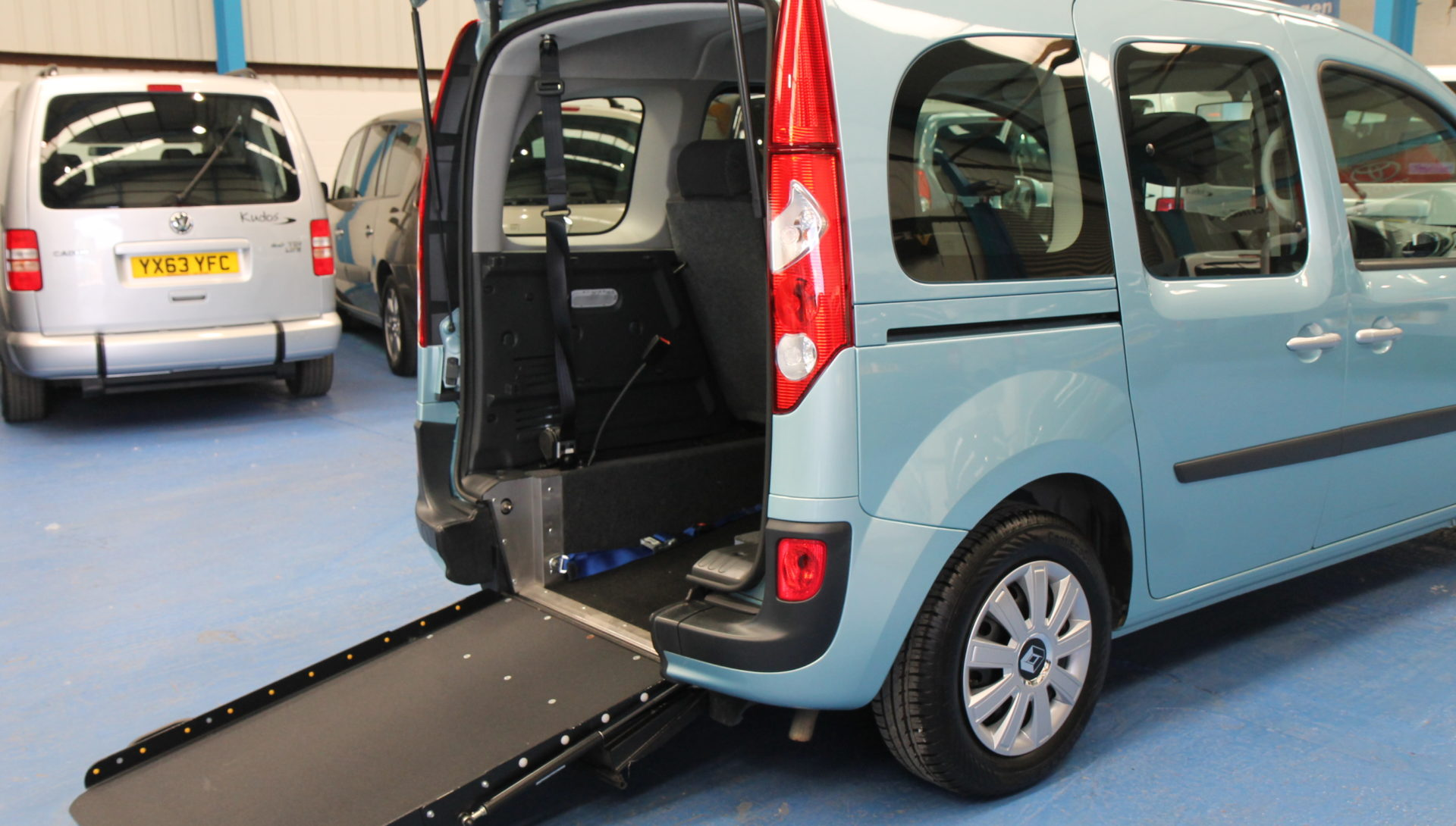 Kangoo Auto Wheelchair access car gx12enw