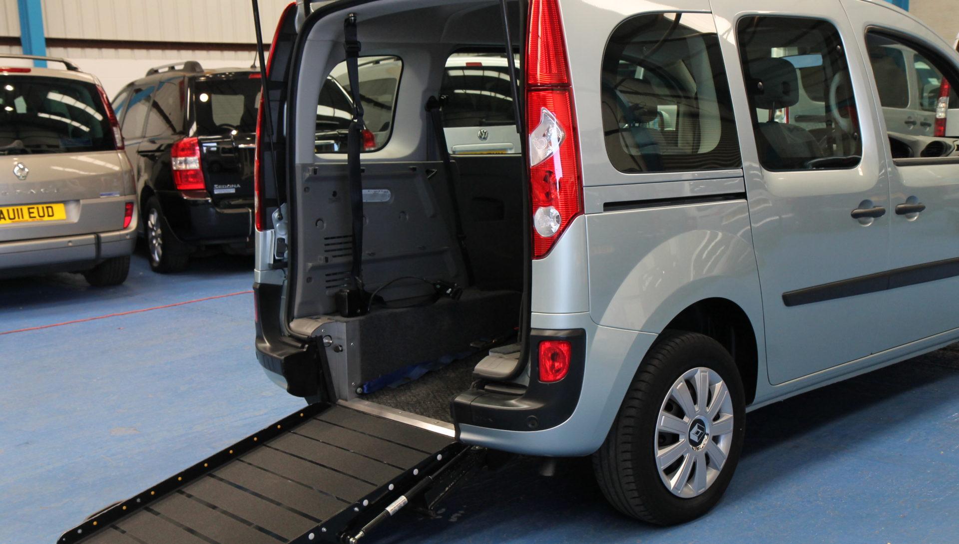 Kangoo Auto Wheelchair access car gx61bho