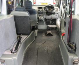 Kangoo Drive from wheelchair car bx08