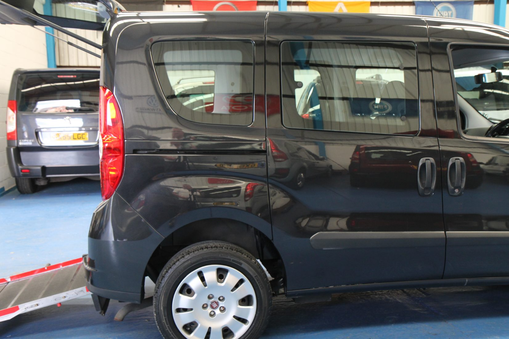 Wheelchair Accessible Vehicles: New Shape Doblo Wheelchair Accessible Vehicle Yx12ewm