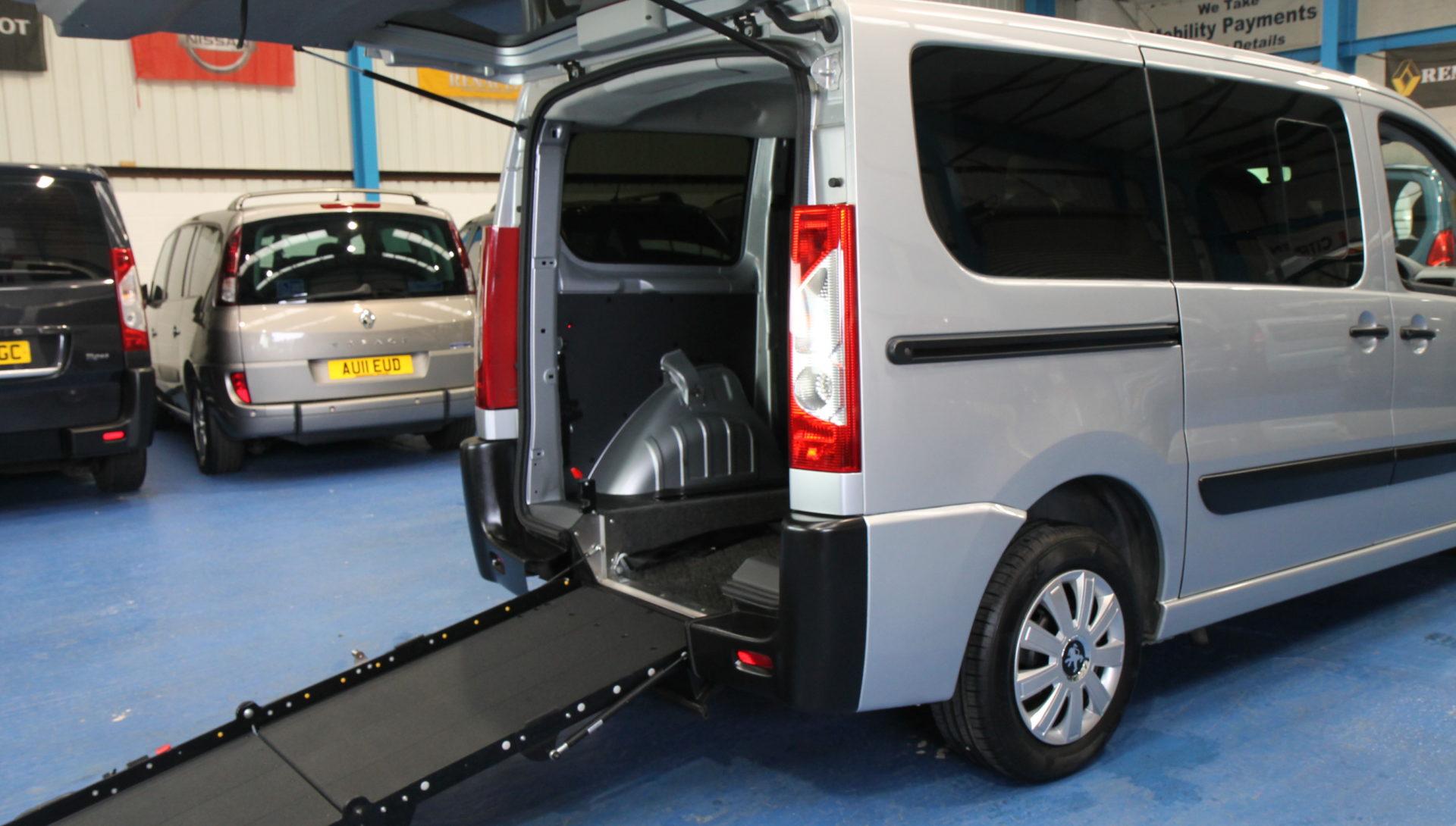 Peugeot Expert Wheelchair vehicles g61avd