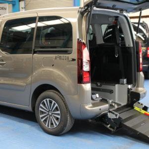 Peugeot Partner Auto Wheelchair carsf13lld
