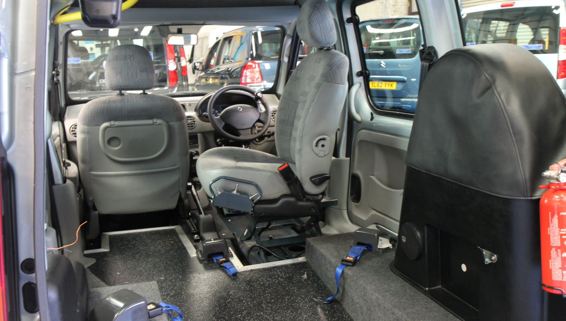 Kangoo Transfer from wheelchair to drive