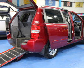 Kia sedona Auto Wheelchair car yj61dhz