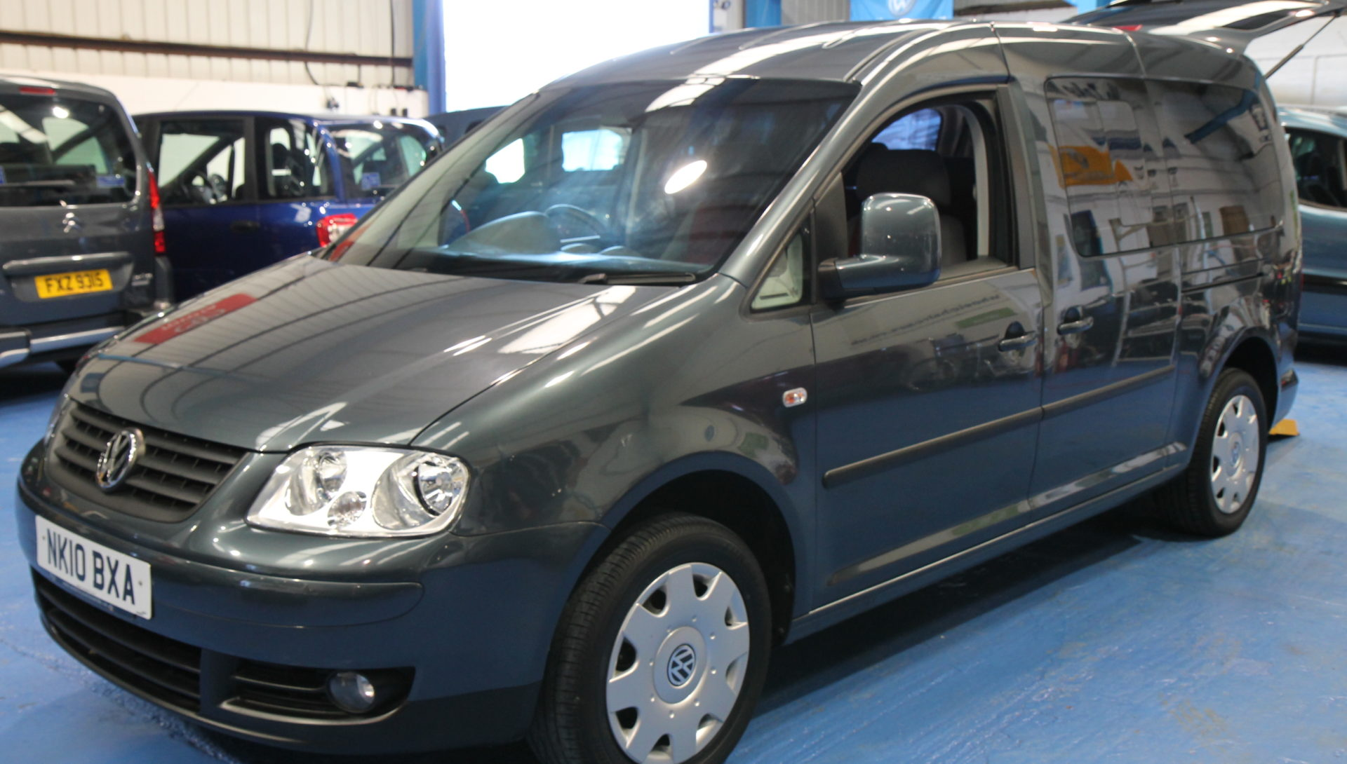 vw caddy maxi wheelchair accessible car nk10 wheelchair accessible vehicles. Black Bedroom Furniture Sets. Home Design Ideas