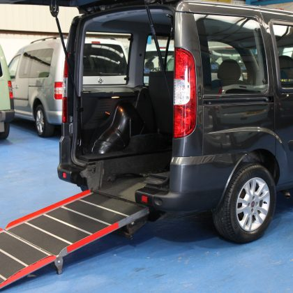 Fiat doblo wheelchair accessible car yx10 ofp