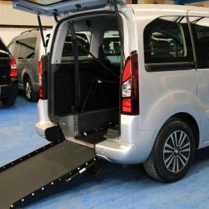 Peugeot Wheelchair accessible vehicles gx62 cxb