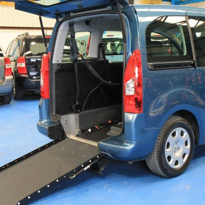 Peugeot Wheelchair access car gx12