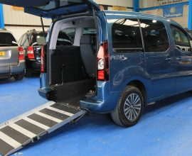 Peugeot Wheelchair accessible car sl13lko