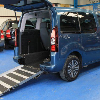 Peugeot Wheelchair accessible car sl13lko