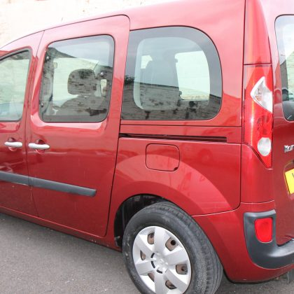 Kangoo Auto Wheelchair access car yj12tzo