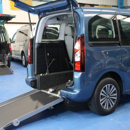 Partner Wheelchair accessible vehicle sf62ghy