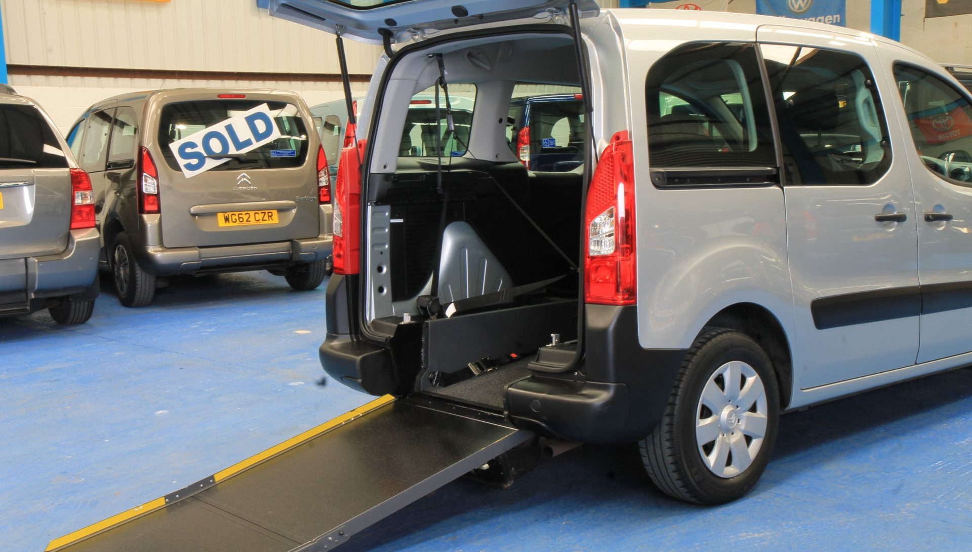 Petrol berlingo Wheelchair access car wf10