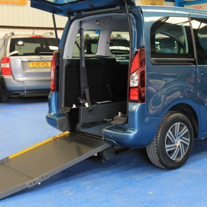 Berlingo Auto wheelchair Car wa13 edo