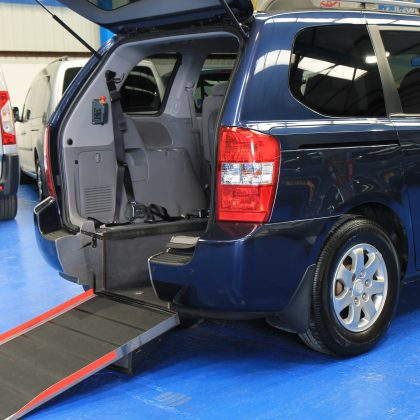 Kia sedona Auto Wheelchair car yj08vyc