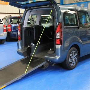 Citroen Berlingo Wheelchair adapted car dxz5053