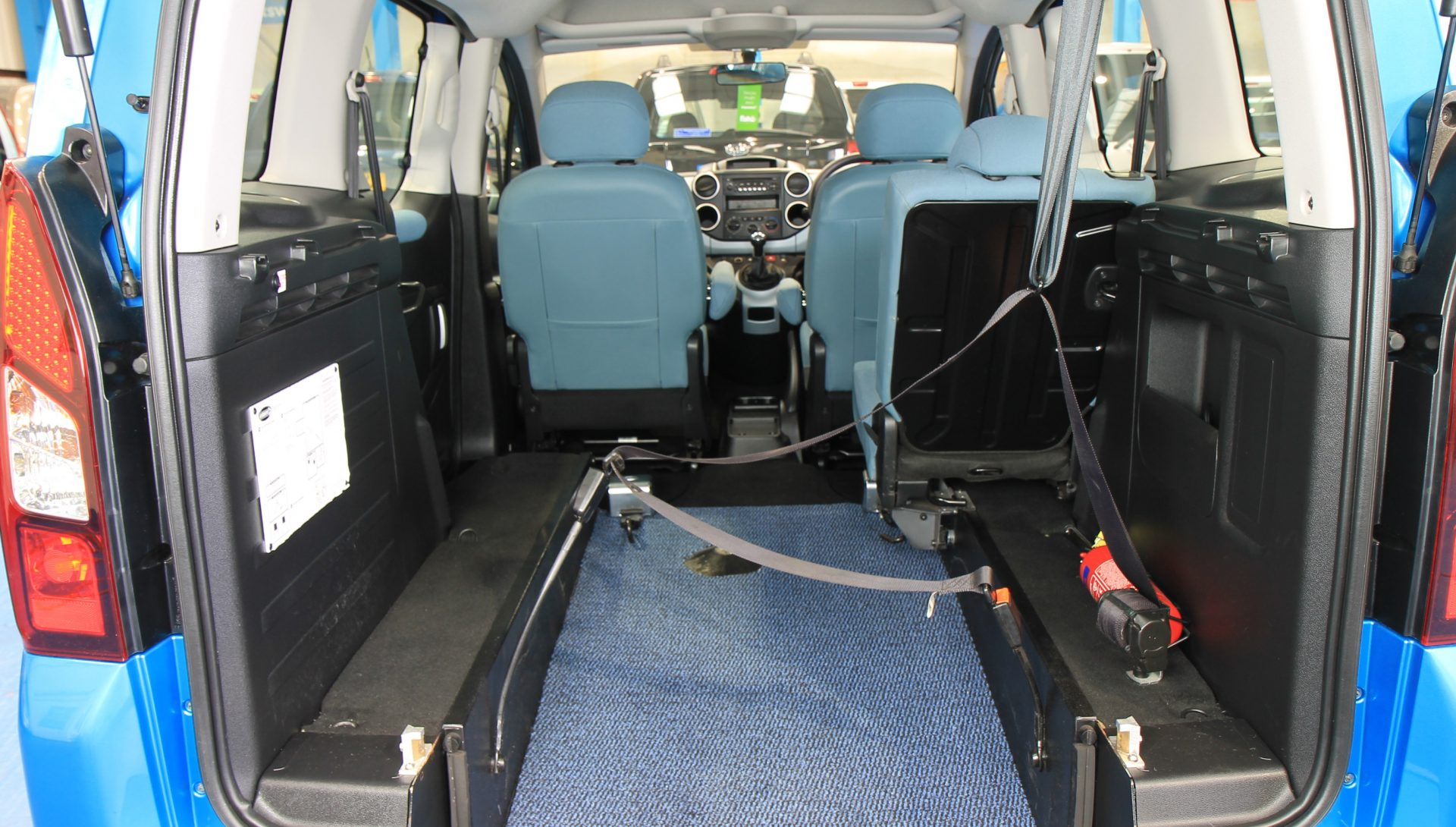 berlingo wheelchair access vehicle sn63jzn wheelchair accessible vehicles. Black Bedroom Furniture Sets. Home Design Ideas