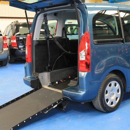 Peugeot Wheelchair access car gx12