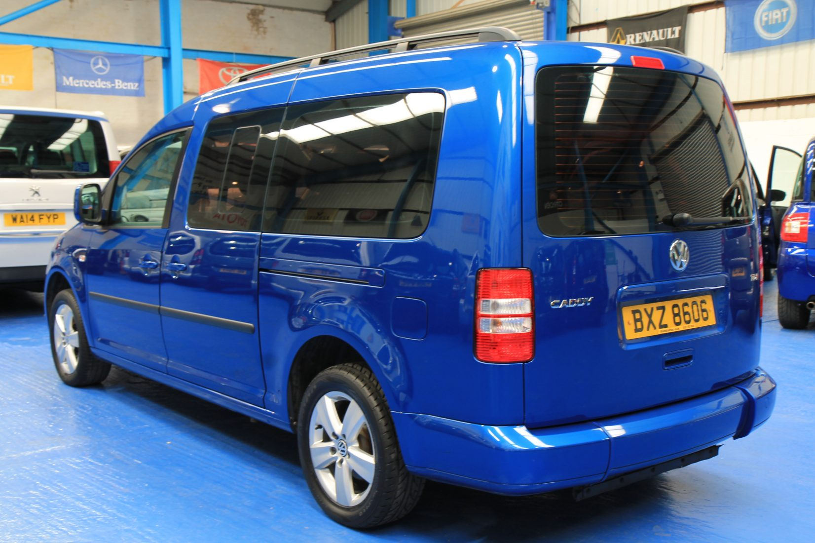 Wheelchair Accessible Vehicles: Caddy Wheelchair Accessible Vehicle Bxz86