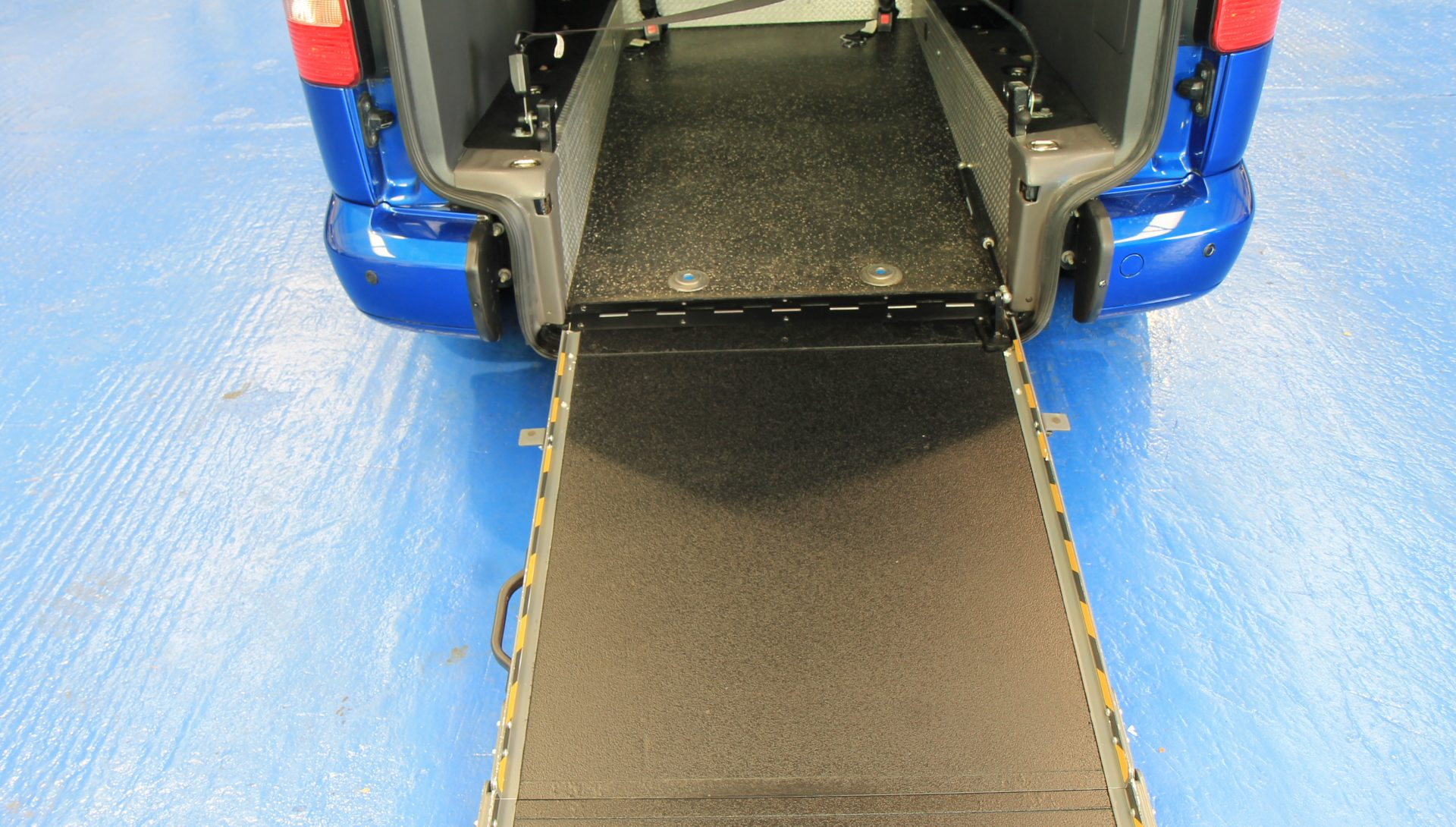 Wheelchair Accessible Vehicles: Caddy Wheelchair Accessible Vehicle Exz31