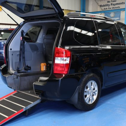 Kia sedona Wheelchair access car yj11dlf