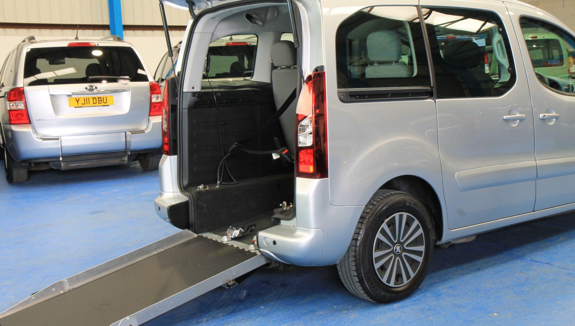 Peugeot wheelchair accessible car sf13j