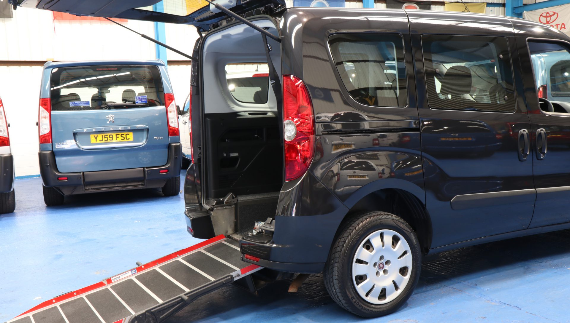 Doblo Wheelchair accessible car yy13