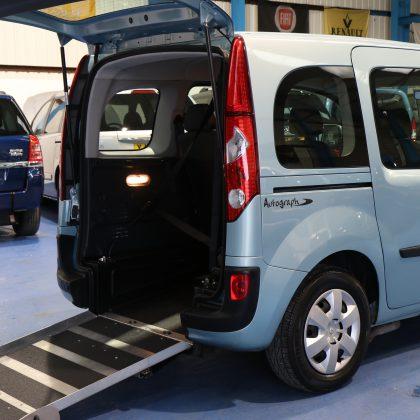 Kangoo Auto Wheelchair access car yj12