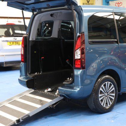 Peugeot petrol wheelchair cars sf14aon