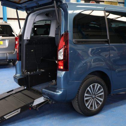 Partner petrol wheelchair cars sf14e