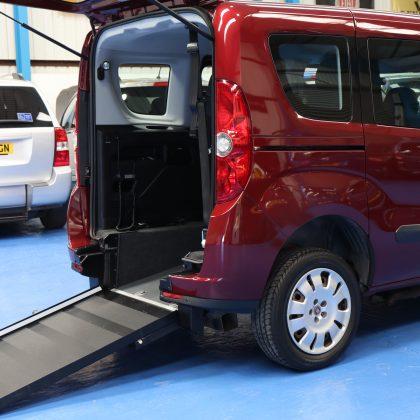 Doblo Wheelchair vehicle yx14 dje