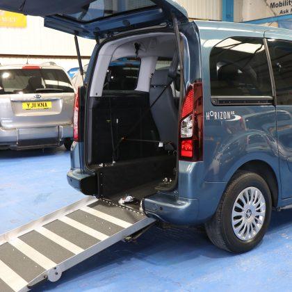 Peugeot Wheelchair accessible car sf13