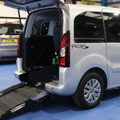 Peugeot petrol wheelchair car sf15dvv