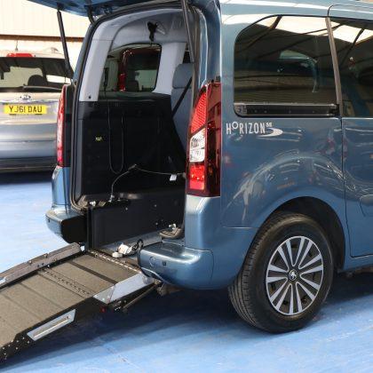 Peugeot Wheelchair accessible car sf14htx