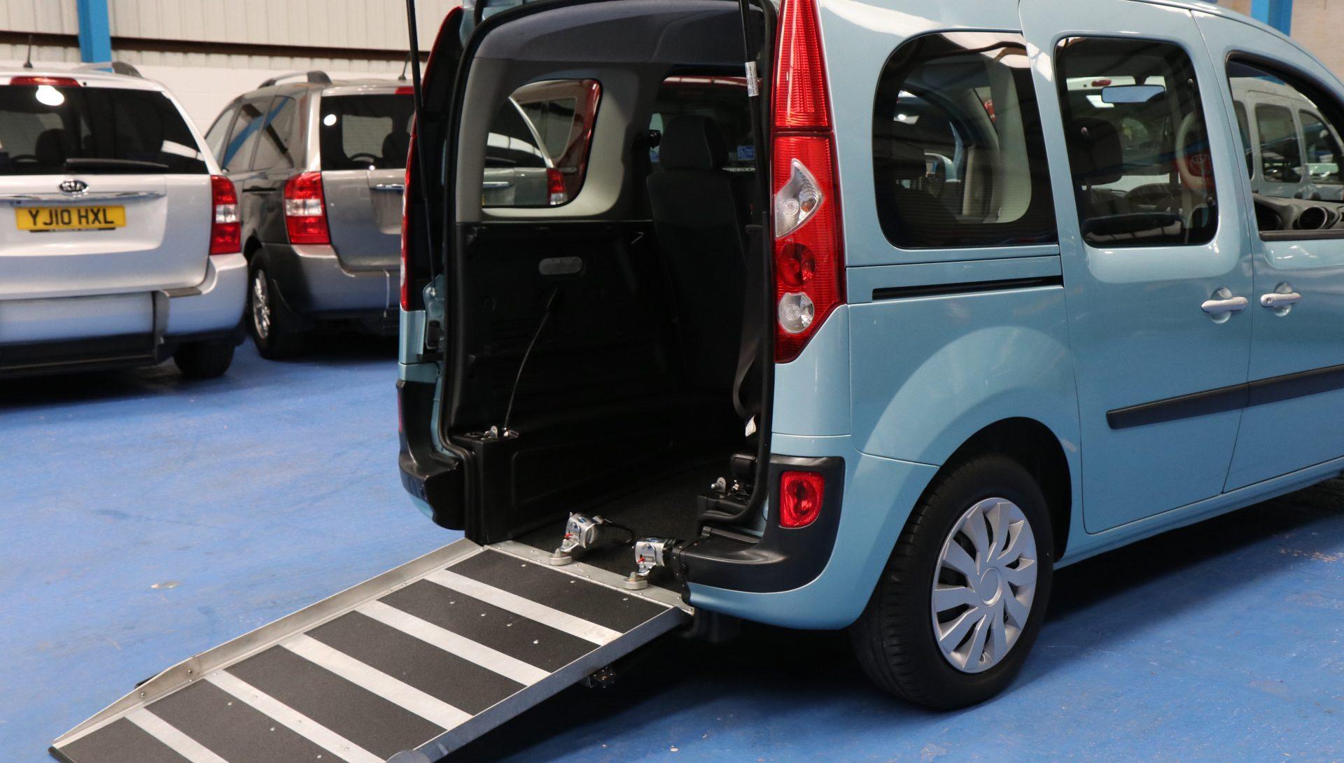 Kangoo Auto wheelchair adapted yj12kwb