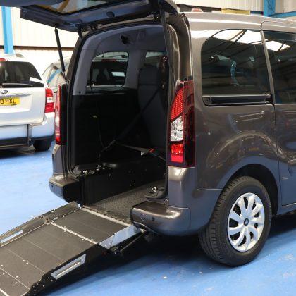 Partner petrol wheelchair car sf16eyb