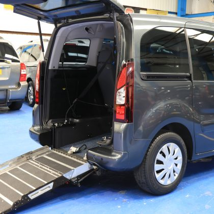 Peugeot Wheelchair access car sf15dtn