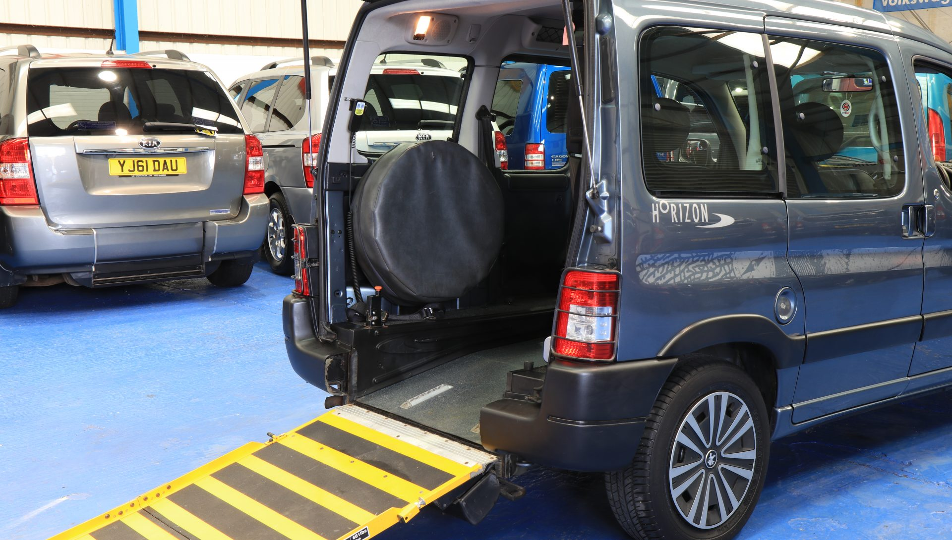 Partner hdi Wheelchair accessible car
