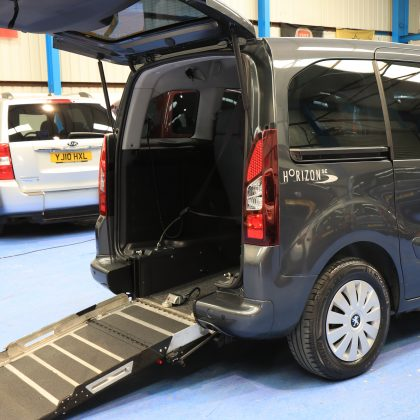 Peugeot Wheelchair accessible car sf14ett